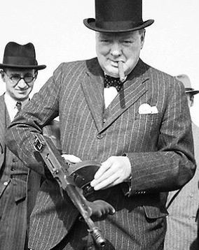 Churchill_in_war